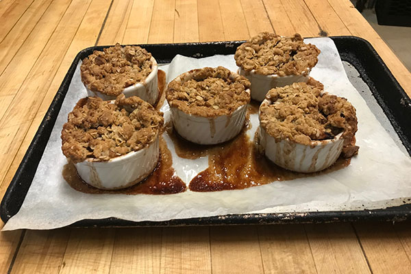 Chesterfield Inn apple crisp