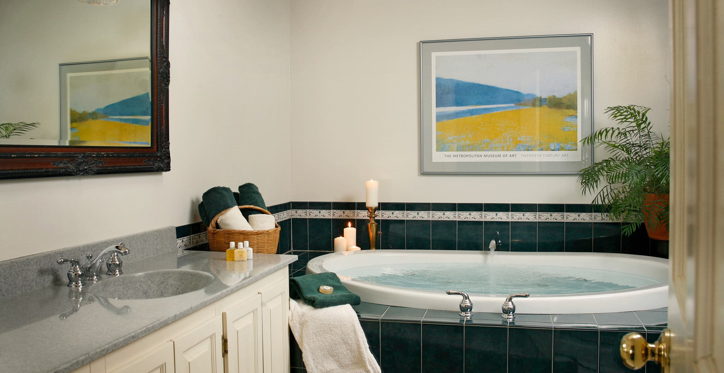 Room 19 Jetted Tub at our New Hampshire Luxury Inn