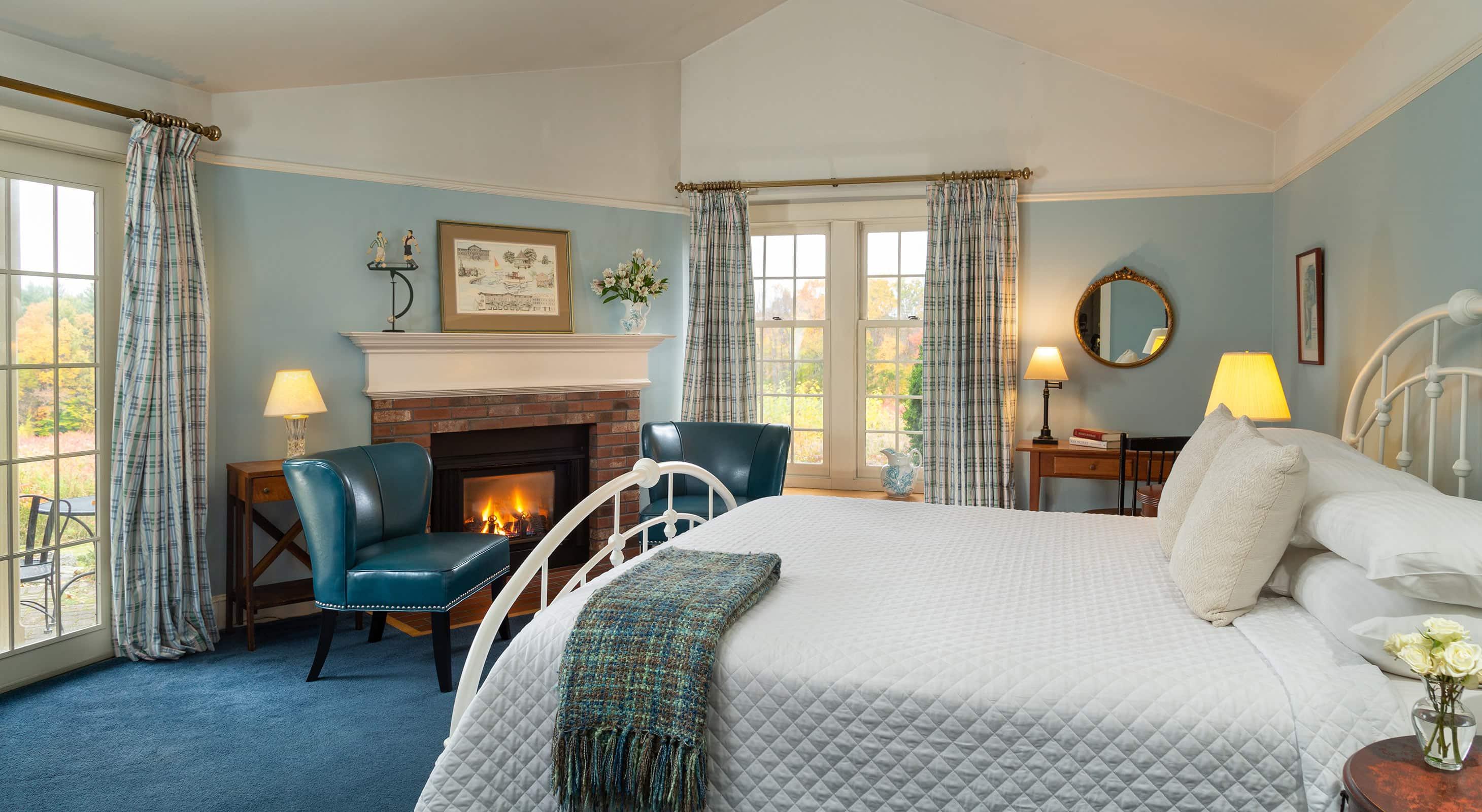 Room 23 fireplace - weekend getaways in New England